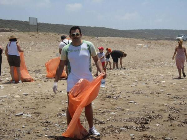Καθαρισμός παραλίας Λάρας