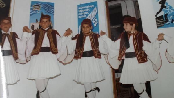 Σταύρος Χατζησάββας ντυμένος τσολιάς
